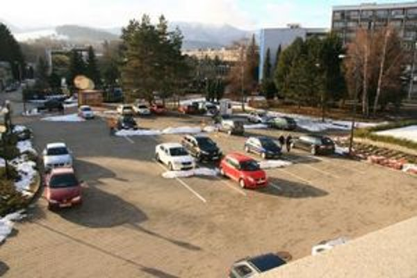 Nové námestie by malo vzniknúť pri hoteli medzi Mostovou ulicou a Madačovou ulicou.
