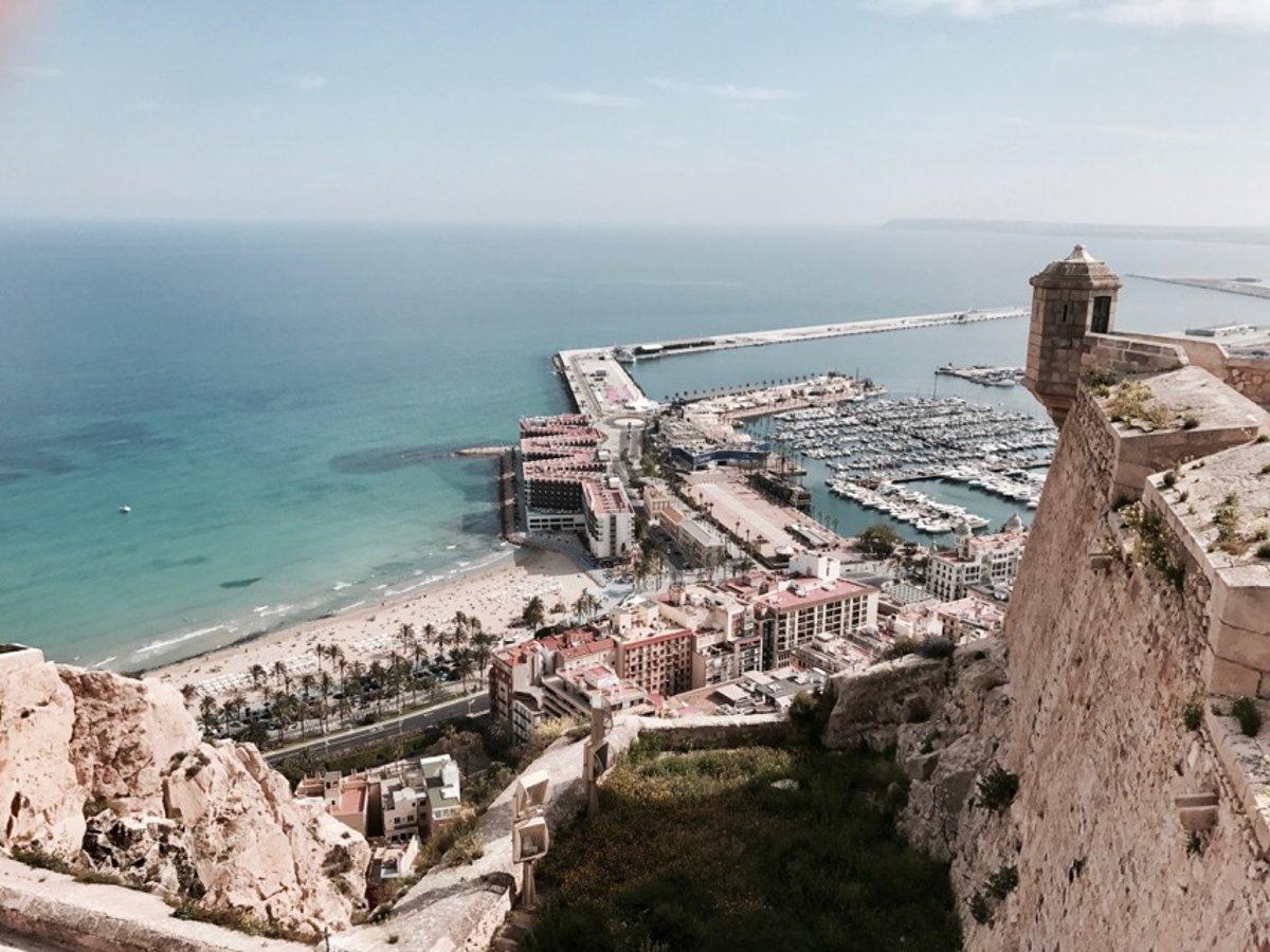 60c65b2cea69f First moment: Španielske pobrežie patrí medzi najpredávanejšie ...