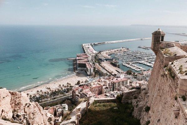 First moment: Španielske pobrežie patrí medzi najpredávanejšie