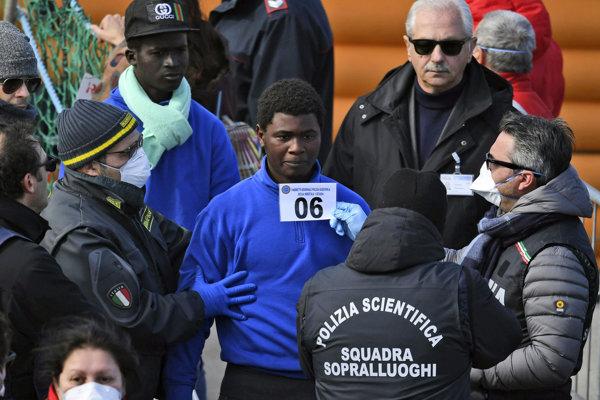 Loď Sea-Watch 3 zadržala talianska polícia.
