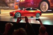 Elektromobil Model 3 od Tesly.
