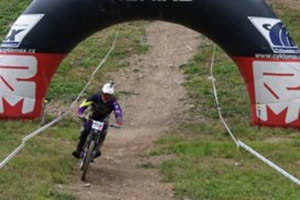 V hlavnej mužskej kategórii po prvom kole viedol Vladimír Palko z Kálnice, ktorý 2800 m trať   s prevýšením 423 m zdolal za 4:36,15 min. To bol aj absolútne najrýchlejší čas.