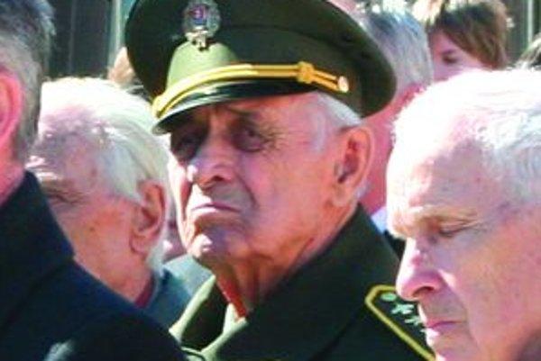 Veterán Nikolaj Tegza, plukovník vo výslužbe, je jedným z mála pamätníkov, ktorí prešli známu bojovú cestu z Buzuluku Do Prahy. Bol v armáde, ktorá Liptov oslobodzovala počas 2. svetovej vojny. Hovorí, že sa mu stal osudný. V Liptove ostal a doteraz žije