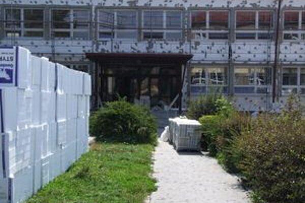 Tri ružomberské školy čaká rekonštrukcia, v rámci ktorej budú robiť aj zateplenie obvodových plášťov.