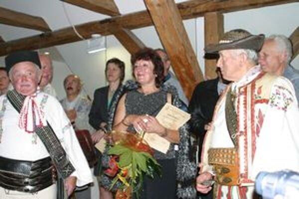 Iveta Zuskinová (s kyticou) priznala, že jej povolanie je zároveň aj jej záľubou.