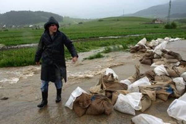 Veľké záplavy boli v máji v Liskovej. Zatopených bolo viac ako sto domov.