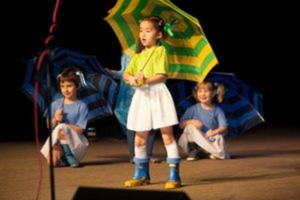 Päť škôl, ktoré majú tento rok šesťdesiate výročie vzniku, sa prezentovali na slávnostnom podujatí Vivat Academia.