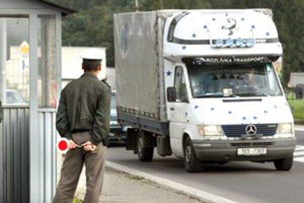 Kde dnes monitorujú bezpečnosť a plynulosť cestnej premávky policajné hliadky?