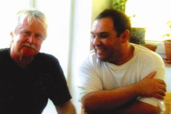 Medzi dlhoročných fanúšikov Janka Lehotského patrí aj Lipták Ľudko Plauter (vpravo).
