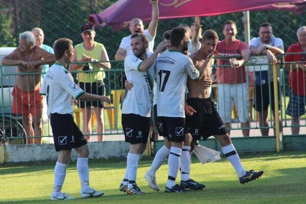 Radosť futbalistov FC Baníka.