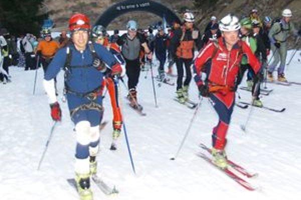 Prvý ročník večerných skialpinistických pretekov sa vydaril.