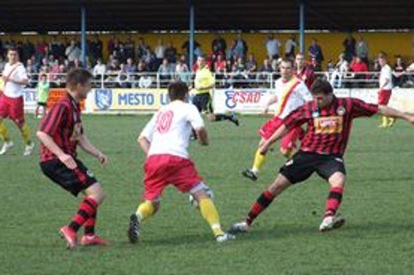 Po remízovej dohrávke v Dolnom Kubíne futbalisti LAFC naplno bodovali v zápase proti Liptákom.