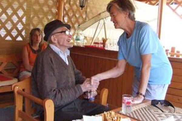 Ondrej Feketík, najstarší obyvateľ Svätého Kríža, prežil ťažký život. K narodeninám mu prišli zablahoželať najbližší aj zástupcovia obce.