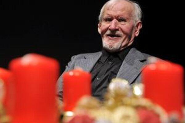Vlani v decembri oslávil Majster Milan Rúfus osemdesiate narodeniny. K jeho nedožitým 81. narodeninám pripravujú v jeho rodnej obci podujatie Štebot v rodnom hniezde.