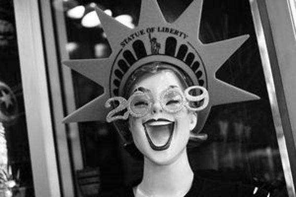 Aj takýto reklamný pútač, pripomínajúci trochu Sochu slobody, môžete vidieť na výstave New York 2009 v Liptovskom Hrádku. Výstava potrvá do konca januára.