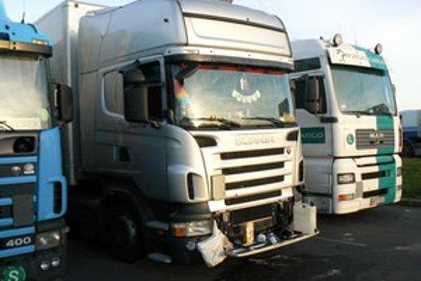 Kamióny takmer celkom blokujú Ružomberok.