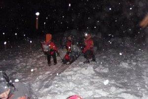Začiatkom roka lavína strhla troch maďarských turistov, zasahovať museli horskí záchranári.