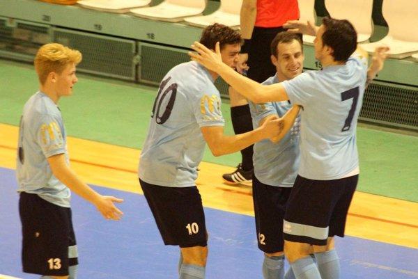Hráči MFsK Nitra sa tešia z výhry, ktorá znamená návrat na 3. miesto v tabuľke.