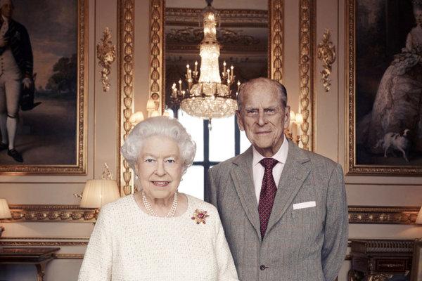Kráľovná Alžbeta II. s manželom, princom Filipom