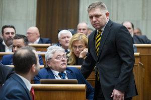 Robert Fico v parlamente.