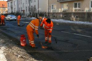Na Hviezdoslavovej ulici v Martine výtlky opravovali vminulom týždni.
