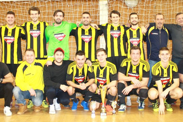 MŠK Želiezovce si na oblastnom halovom turnaji vybojovali prvé miesto.