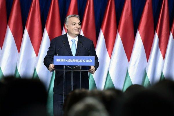 Viktor Orbán prednáša reč o stave republiky.
