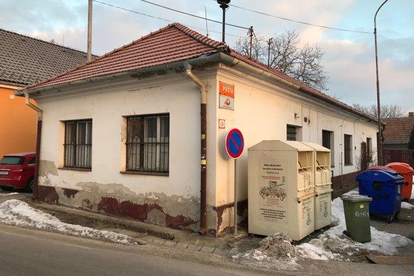 Pošta Trenčín 6 v Záblatí.