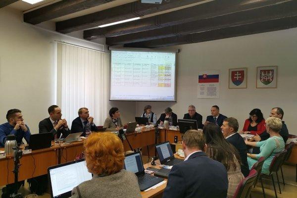 Levočskí poslanci rozhodovali o svojich kolegoch, či sú v konflikte záujmov.
