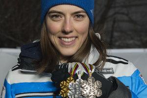 Petra Vlhová a jej medaily z MS v alpskom lyžovaní 2019 (9 fotografií) ddc9370408e