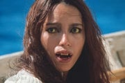 Barbara Carrera vo filme The Island of Dr. Moreau (1977)