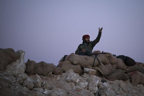 Kurdmi vedené Sýrske demokratické sily (SDF) sa snažia dobyť posledné malé územie na východe Sýrie neďaleko hranice s Irakom ovládané extrémistami.