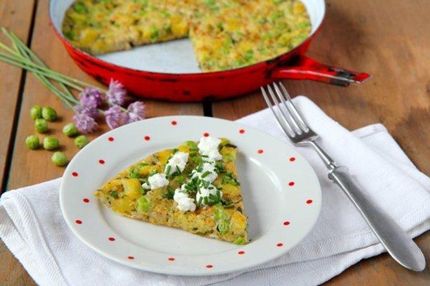 Jarná omeleta s hráškom a bylinkami