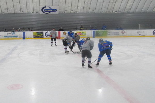 Oravská hokejová liga internacionálov už 9. marca spozná víťaza.