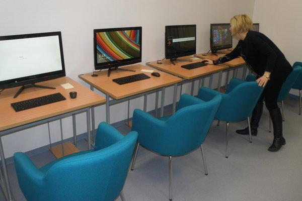 Nová počítačová technika je určená pre čitateľov.
