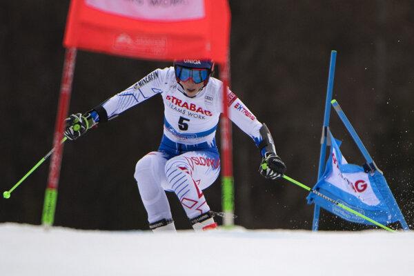 Petra Vlhová počas obrovského slalomu.
