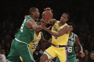 Los Angeles Lakers - Boston Celtics.