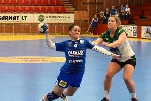 Nikola Rácková nedohrala dnešný zápas v Písku, má vykĺbený lakeť. Vážnosť jej zranenia ukážu aj ďalšie vyšetrenia.