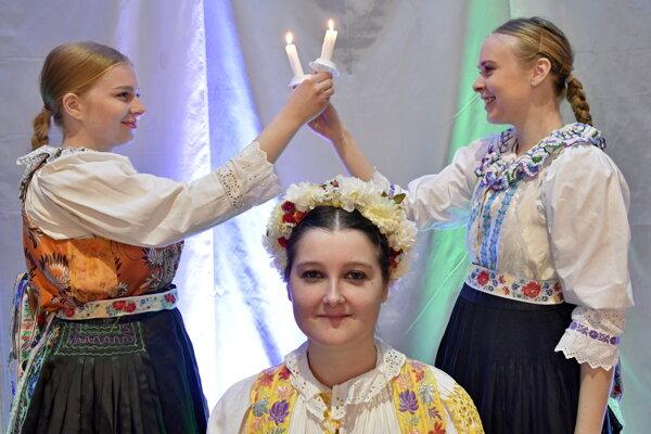 Svadobná výstava v obci Krakovany.