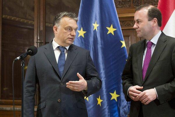 Maďarský premiér Viktor Orbán so šéfom Európskej ľudovej strany Manfredom Weberom.