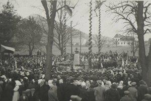 Odhaľovanie busty bola v roku 1928 veľká udalosť.