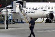 Štáty po celom svete, aj USA a EÚ, pozastavili lety stroja typu Boeing 737 MAX 8, ktorý v Etiópii havaroval.