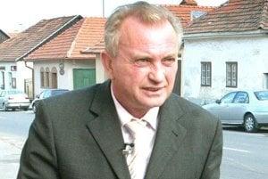 Primátor Bojníc František Tám sa obrátil na prokuratúru. Návrh na zrušenie a následnú transformáciu organizácií považuje za nesystémové riešenie.
