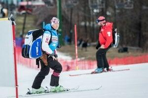 Tréner Petry Vlhovej Livio Magoni pred prvým kolom slalomu žien v Maribore.