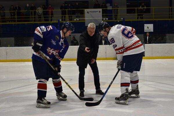 Zápas hviezd 2. hokejovej ligy v Kežmarku.