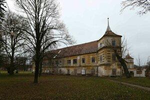 Kaštieľ je národnou kultúrnou pamiatkou rekonštruovanou občianskym združením Útulný domov a dobrovoľníkmi.