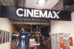 f13496122cf2 Kino CINEMAX sídli v obchodnom centre MAX v Nitre.