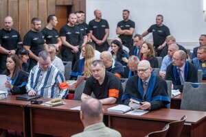 Pojednávanie Špecializovaného trestného súdu so skupinou Zsolta N. a spol., tzv. Sátorovcov.