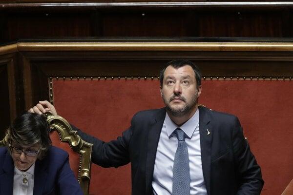 Salvini o imunitu neprišiel, podržal ho senát