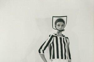 Minisukňa z dielne André Courrègesa, 1965